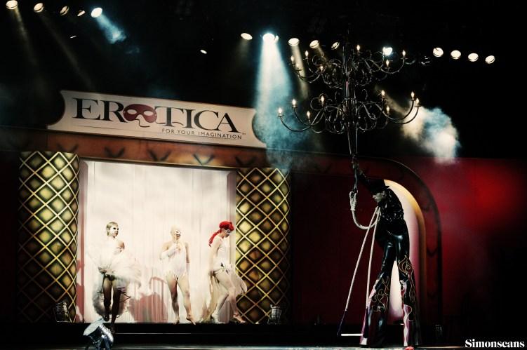 Erotica_2004_060