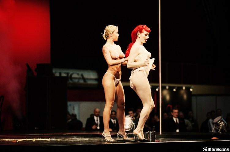 Erotica_2004_085