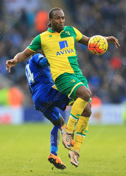 Ngolo Kante of Leicester battles with Cameron Jerome of Norwich