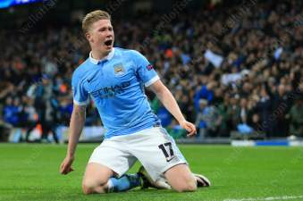 Kevin de Bruyne of Man City celebrates his late goal