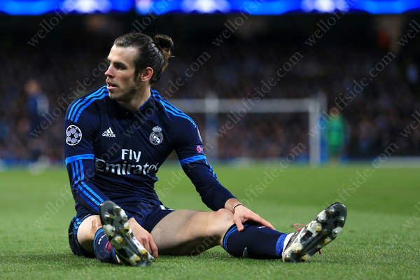 Gareth Bale of Madrid looks dejected as Man City hold them to a 0-0 draw