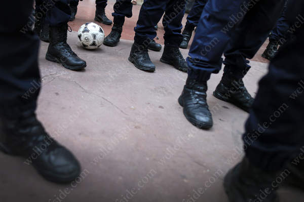 The football at the feet of the Gendarmerie