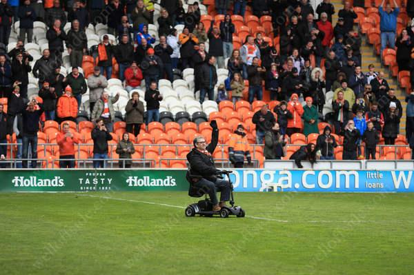 Wheelchair pitch-invader