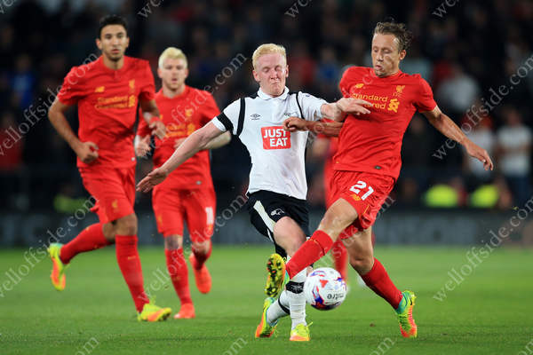 Will Hughes of Derby battles with Lucas Leiva of Liverpool during their EFL Cup 3rd Round tie