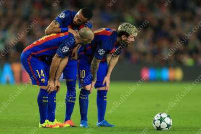 Barca players Javier Mascherano (L), Neymar (C) and Lionel Messi (R) discuss their options