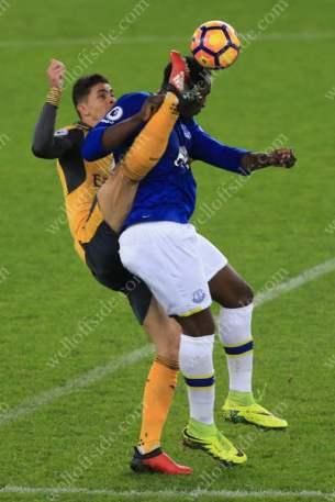 Gabriel Paulista of Arsenal battles with Romelu Lukaku of Everton