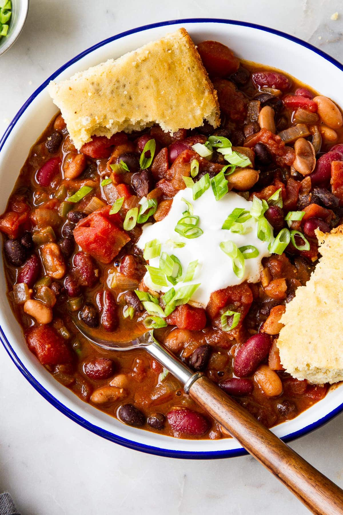 Easy Three Bean Chili Recipe The Simple Veganista