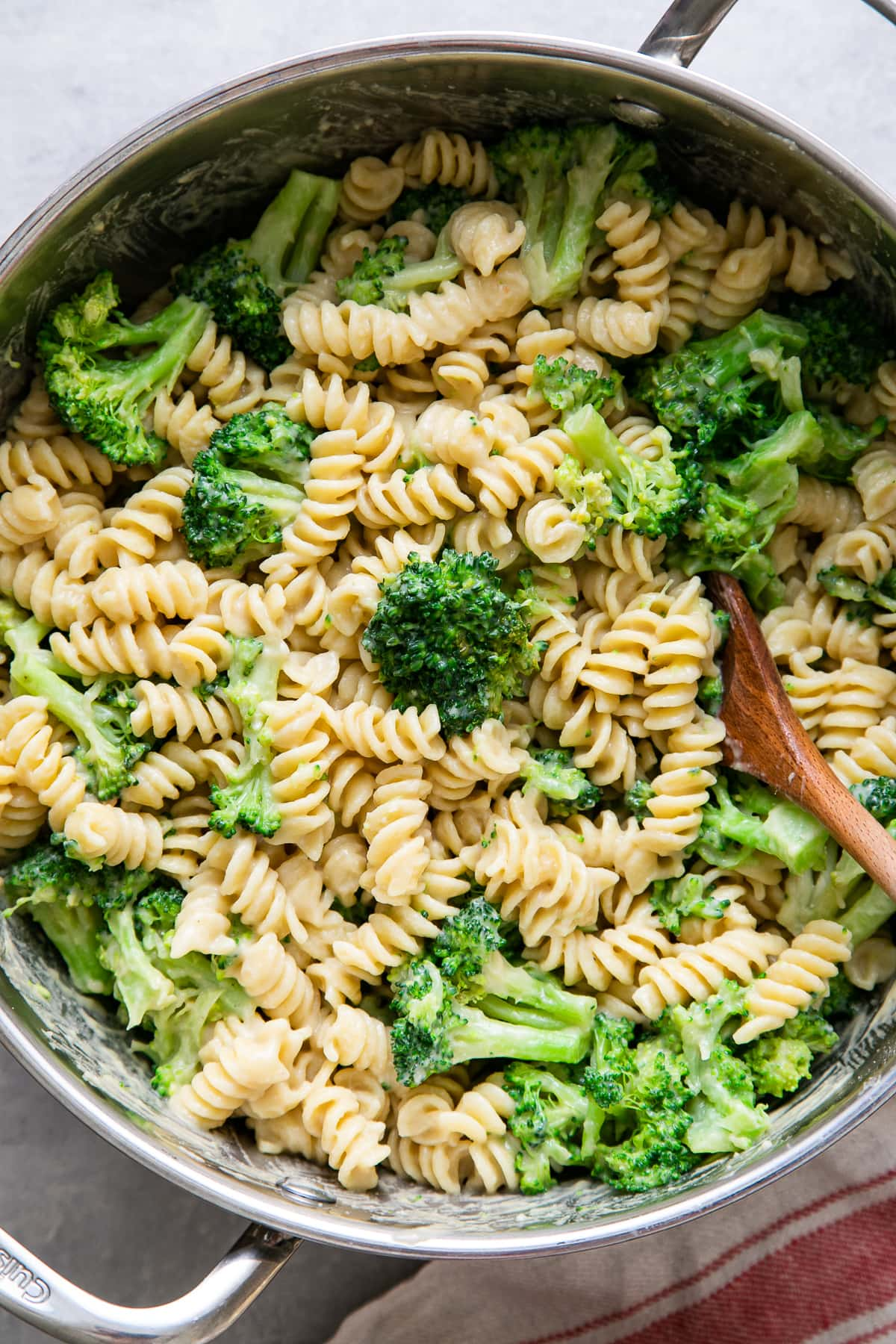 top down view of freshly made pot of creamy broccoli pasta.