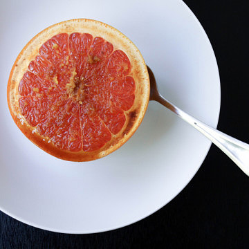 Healthy Broiled Grapefruit