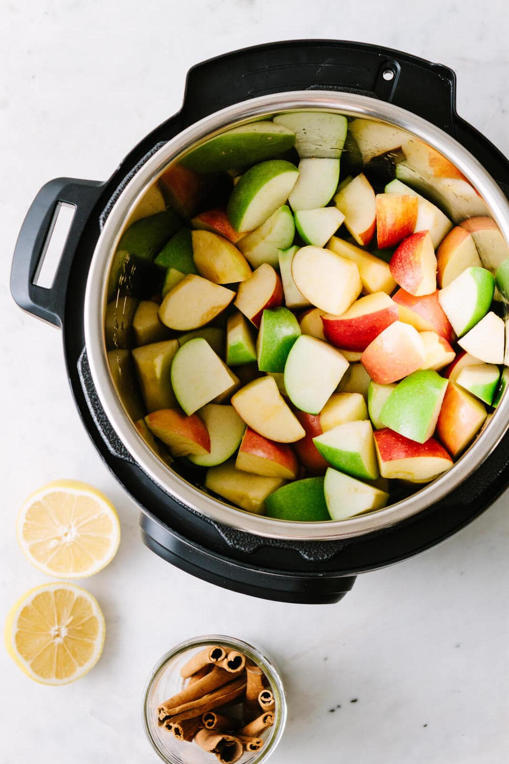 mix of granny smith, fuji and honey crisp apples with skins in an instant pot