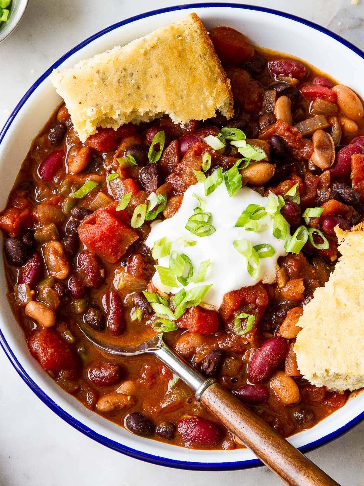 Easy Three Bean Chili Recipe The Simple Veganista
