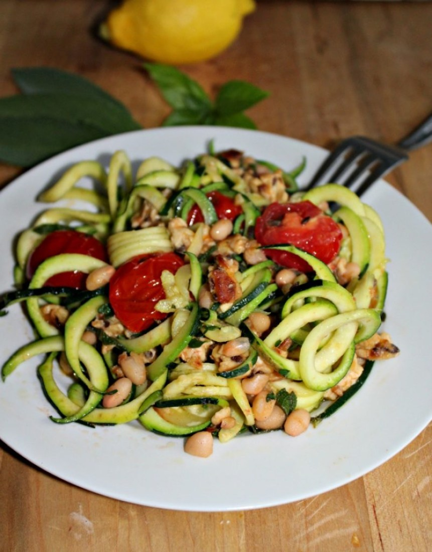 zucchini noodles with ground chicken and beans gluten free low carb simpleandsavory.com