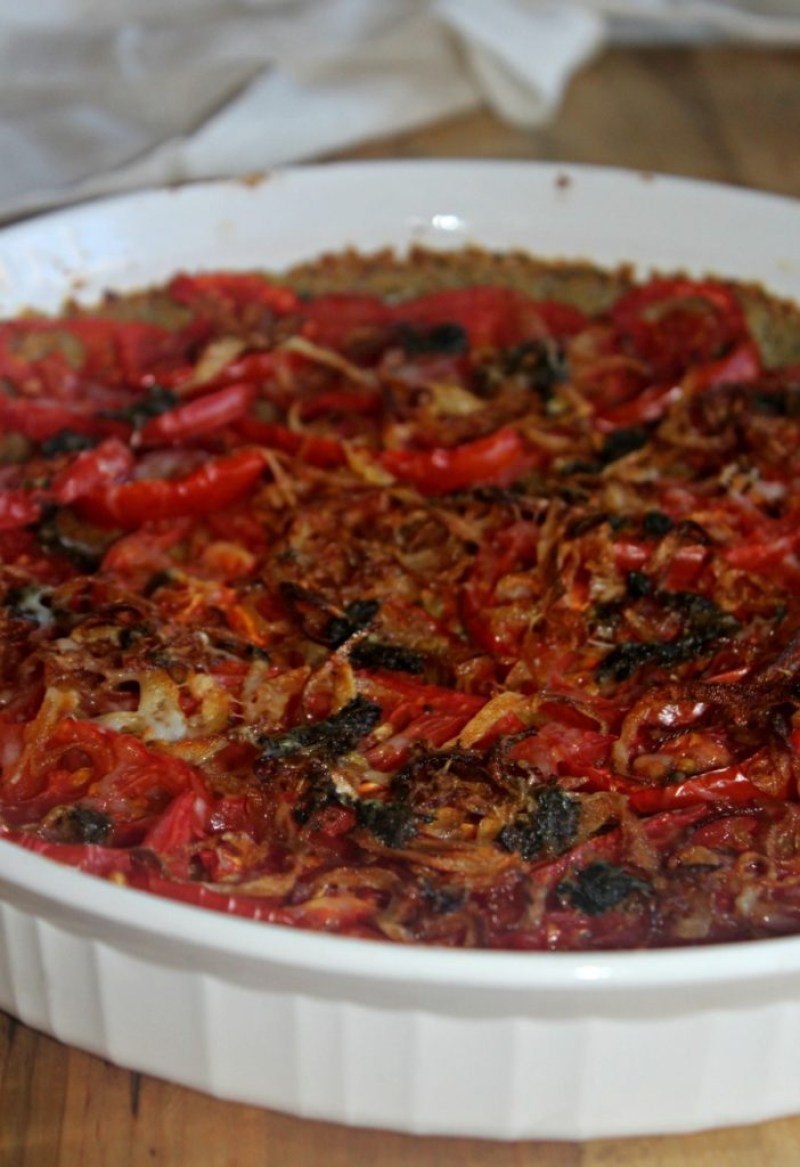 tomato-tart-with-caramelized-onions-and-pesto-quinoa-crust-simple-and-savory-com