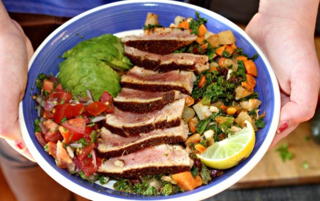 Southwest Tuna Bowls with Pico De Gallo