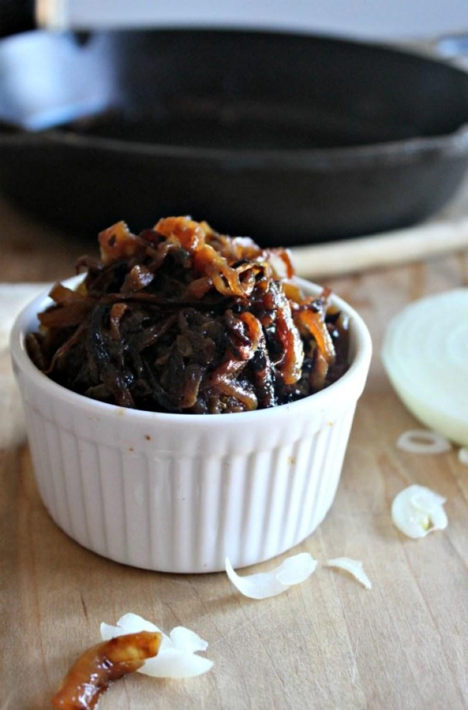 caramelized onions simplenadsavory.com