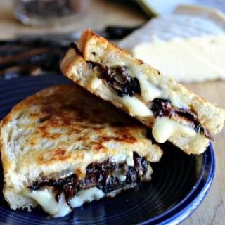 grilled brie cheese with portobellos