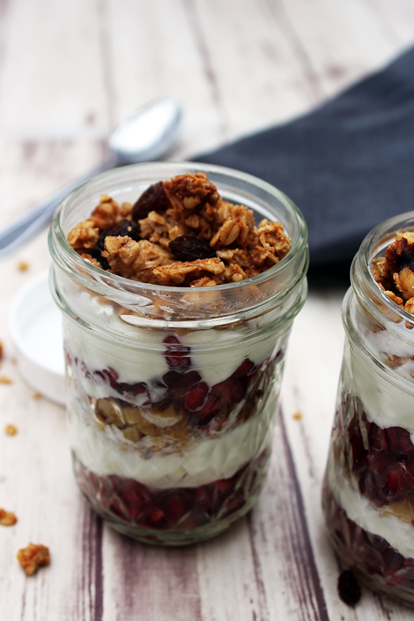 pomegranate yogurt parfait gluten-free