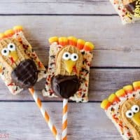 These Turkey Treats are perfect for class parties, the kids' table for Thanksgiving or just as a fun activity to do in the kitchen with your kids!