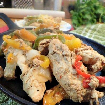 Cast iron skillet chicken fajitas