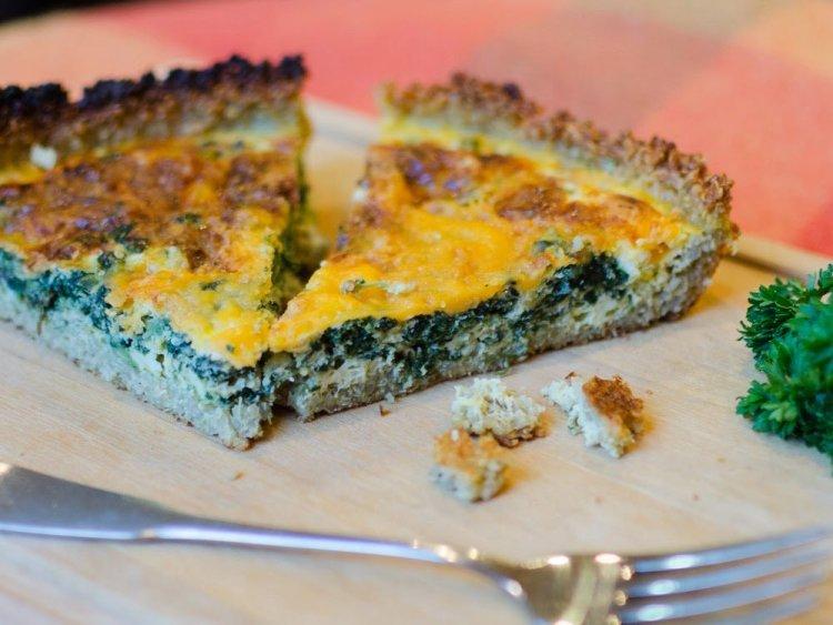 Quinoa Quiche with Spinach and Cheddar