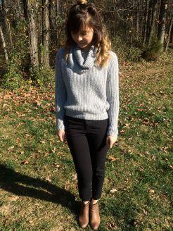 Grey cozy sweater (Hollister)