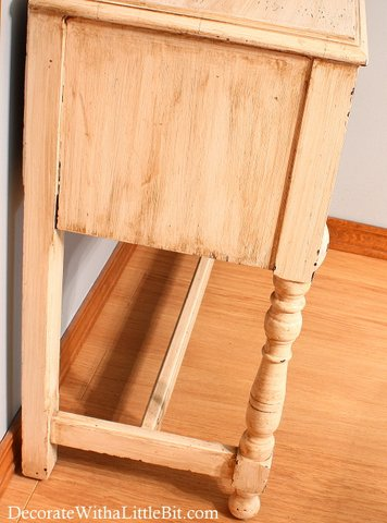 simpledecoratingtips.com 04-22-2012 Someone Else's House... One Drawer Mystery Piece
