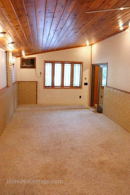 HometoCottage.com breakfast room before
