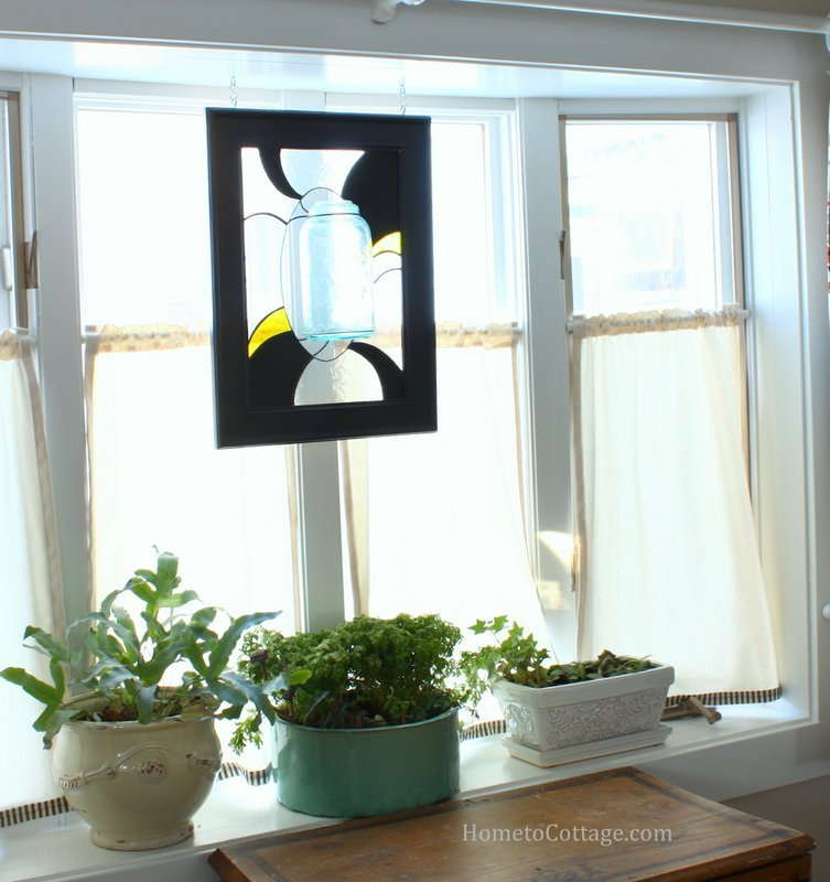 HometoCottage.com bay window what garden and stained glass art