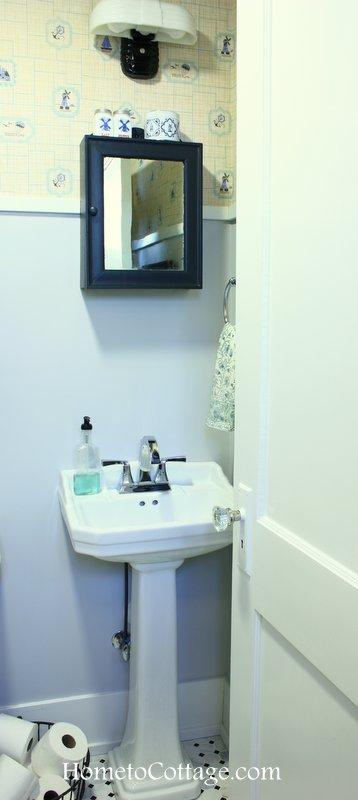 HometoCottage.com Petite Pedestal Sink