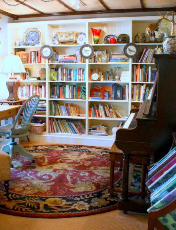HometoCottage.com library bookshelves