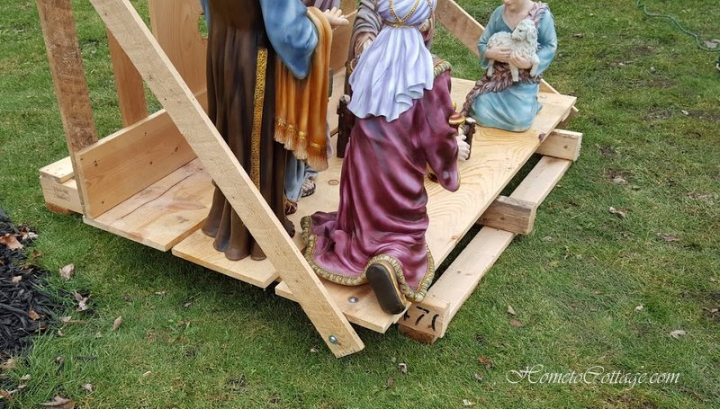 HometoCottage.com Pallet wood nativity