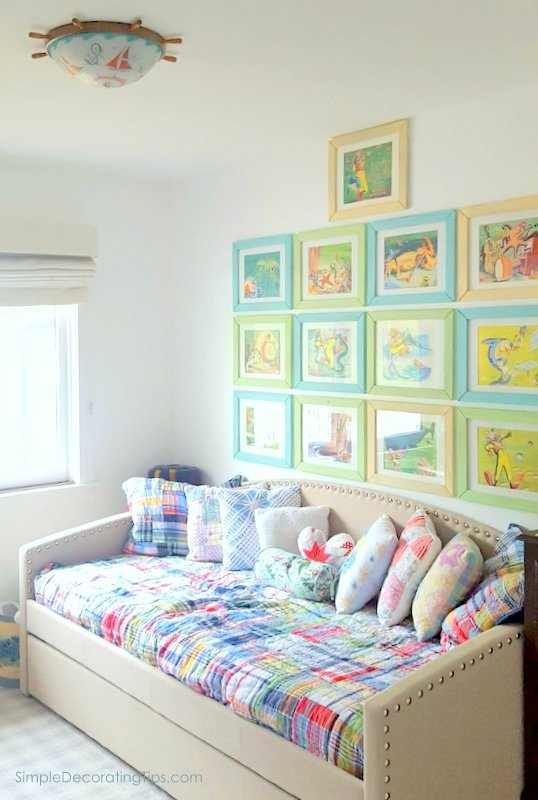 Hang a Group of Pictures with even spacing SimpleDecoratingTips.com