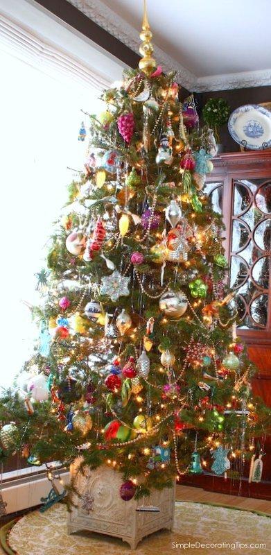 SDTips.com Unique Christmas Tree Stand