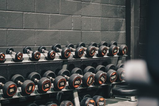 Not knowing what to do at the gym can be overwhelming. Here are five ways to know what to do at the gym when you want to get a solid full-body workout.