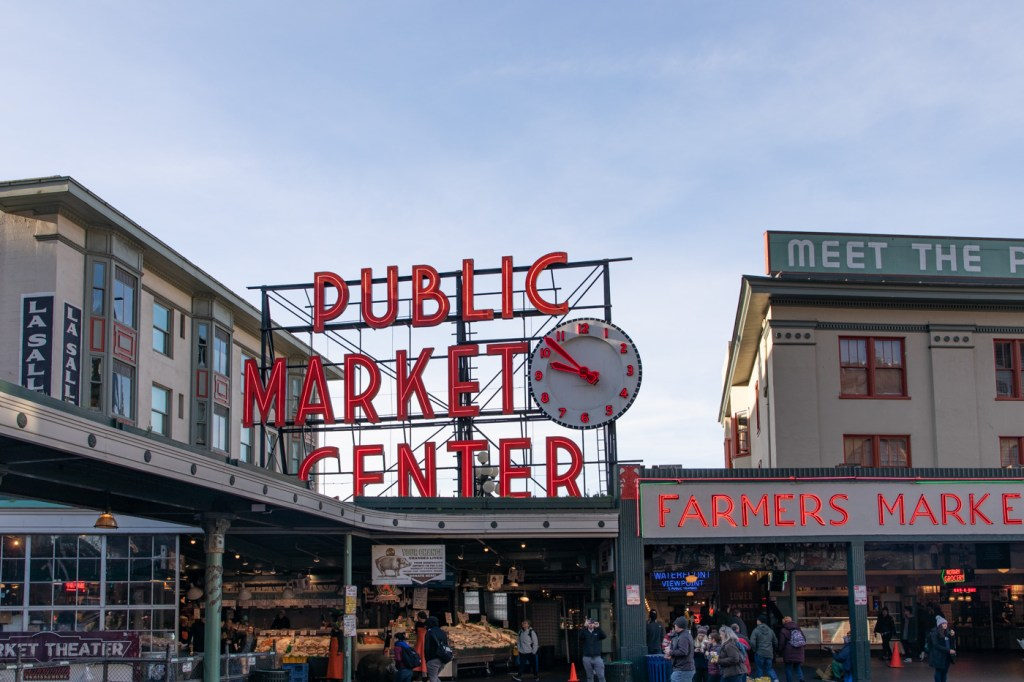 Pike Place Fish Market (Public Market Center)