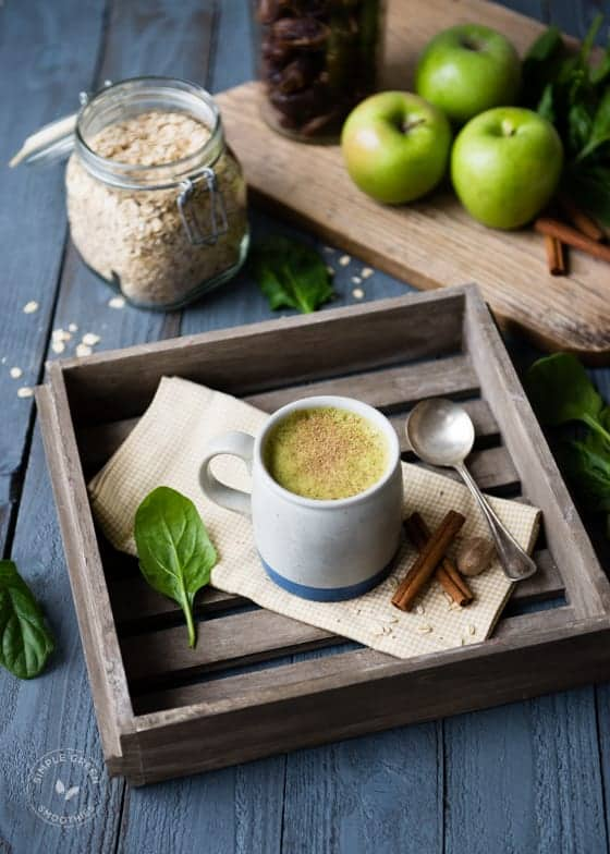 Warm Apple Pie Green Smoothie-2