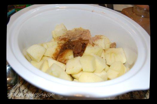 slow cooker applesauce 2