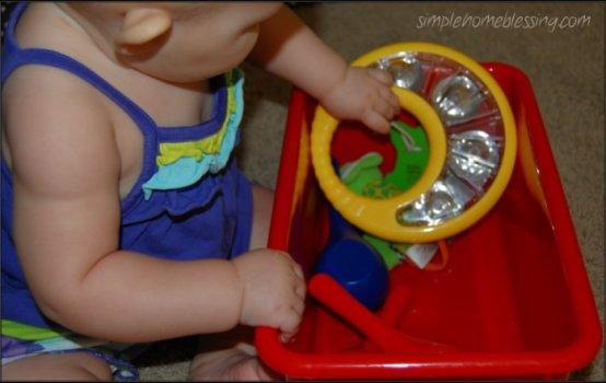 baby play sound bin