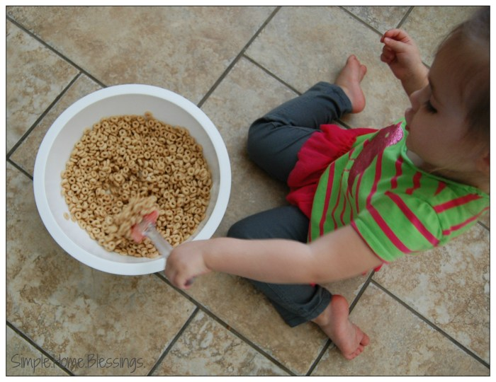 Cooking with Kids peanut butter-cereal bars