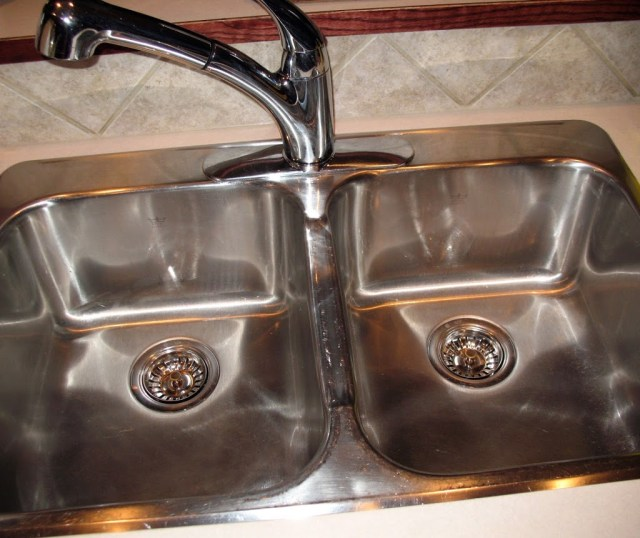 Simple Joys Of Home: How To Clean And Shine Your Stainless Steel Sink