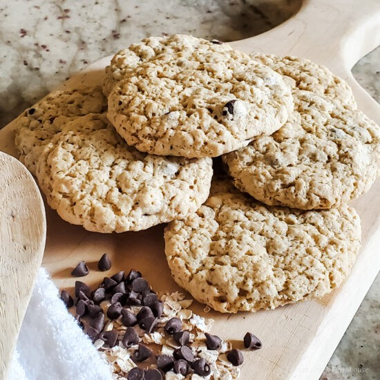 Homestead Blog Hop Feature - Vegan Oatmeal Chocolate Chip Cookies