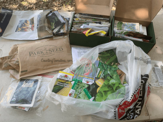 Homestead Blog Hop Feature - How-to-Store-and-Organize-Seed-Packets
