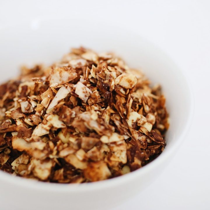 bowl homemade maple vanilla granola