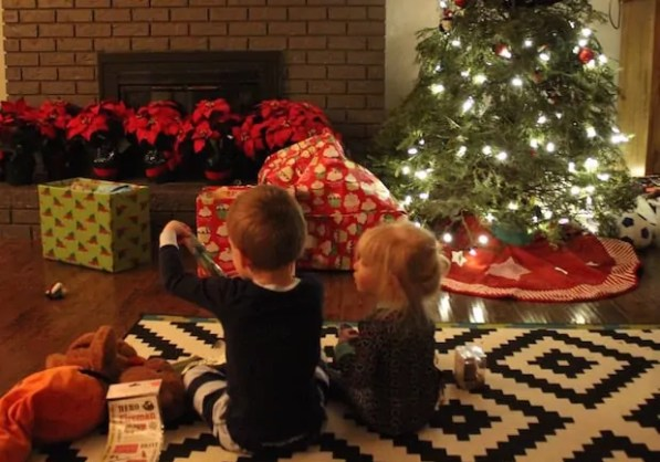 give gifts without more toy clutter