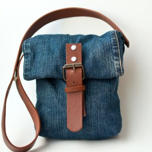 Repurpose old jeans into a cute, fashionable purse