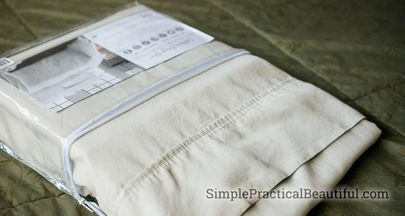 Brand new queen size sheets from California Design Den