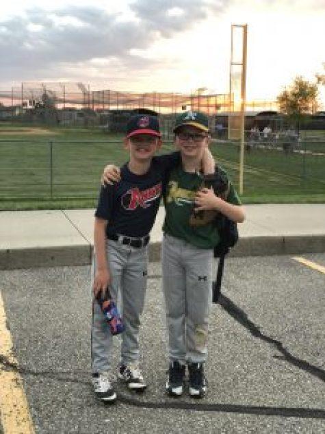 best friends play baseball