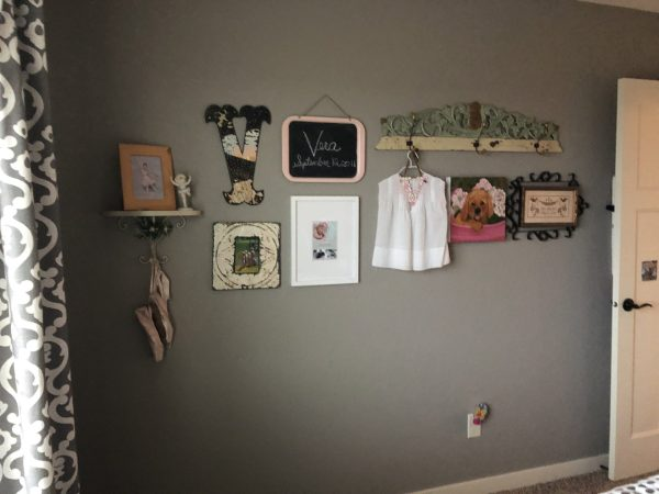 gallery wall in little girls bedroom