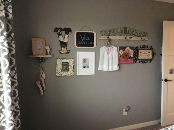 gallery wall in little girls bedroom