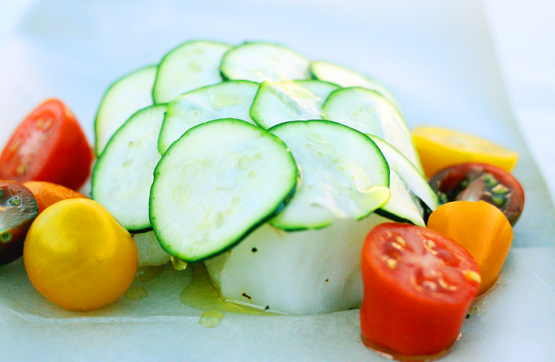Cod with zucchini and tomatoes